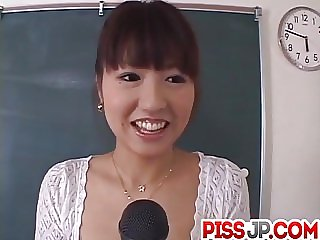 Misato Kuninaka in real Japanese school threesome